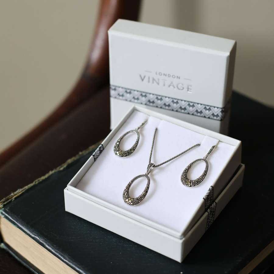 London Vintage Sterling Silver Pendant and Earring Set